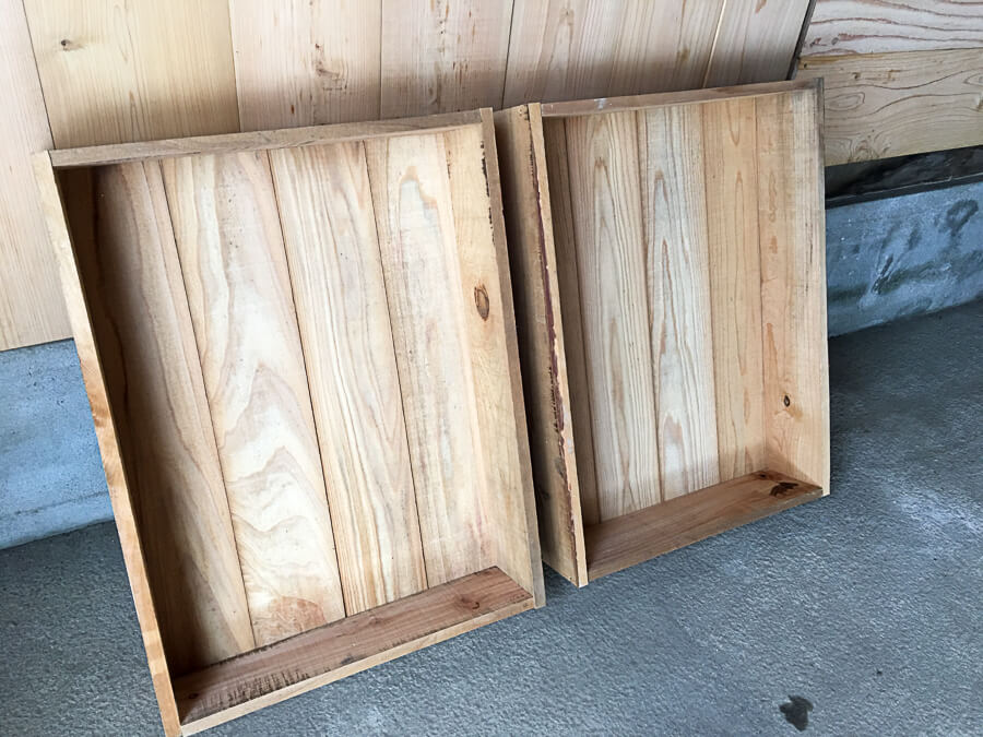 j_171121-17_商品のりんごを入れる木箱を作成